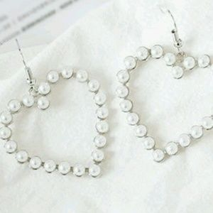 Jewelry - Lovely Heart Pearl Drop Earrings
